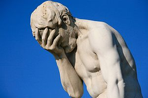 300px-Paris_Tuileries_Garden_Facepalm_statue